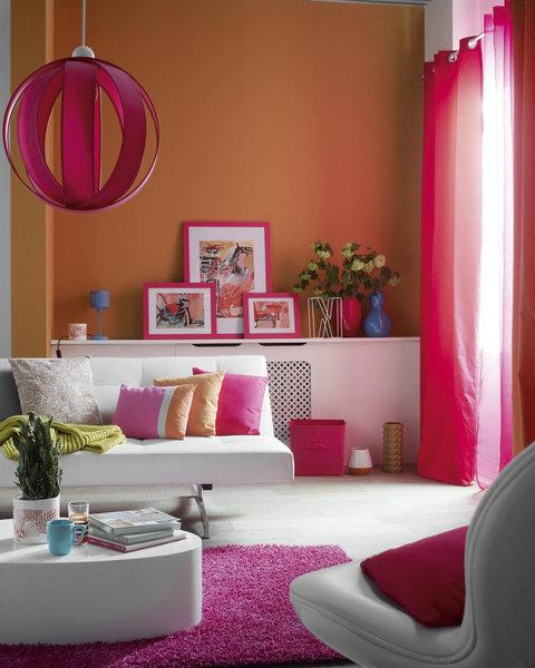 decora con color morado y naranja interiores estilo. Black Bedroom Furniture Sets. Home Design Ideas
